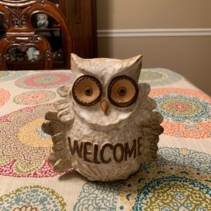 "ADORABLE ceramic owl w/ ""WELCOME"" on it"
